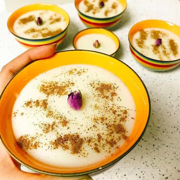 طرز تهیه فرنی نشاسته شیرازی بدون شیر , فرنی مجلسی با آرد برنج برای 8 نفر , فرنی دونفره برای نوزاد با شیر گاو