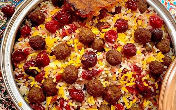 طرز تهیه ی آلبالو پلوی مجلسی شیرازی با گوشت و مرغ