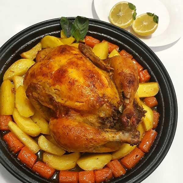 طرز تهیه مرغ شکم پر در دیگ خاور خانوم در فر با رب انار در فر شمالی رزا منتظمی در تنور با فویل در آتش با انار دون مشهدی با بنه