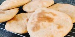 طرز تهیه نان پیتا خوشمزه و خانگی به روش اصیل ترکیه ای
