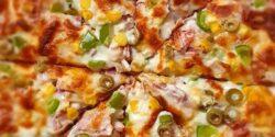 طرز تهیه پیتزا مرغ و قارچ خوشمزه و ساده با خمیر آماده یا خانگی