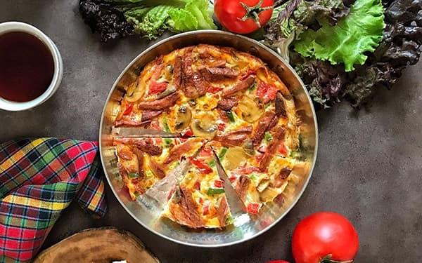 طرز تهیه املت اسپانیاییبا چیپسبا سیب زمینی با پنیر پیتزا xvc jidi hlgj hs hkdhdd