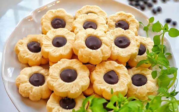 طرز تهیه شیرینی دادلیبا پیمانهتابه ایمعصومه رسولیآشپزخانه کوچک منخانم گلاور حکیمیه xvc jidi advdkd nhngd