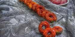 طرز تهیه بامیه هندی خوشمزه و مخصوص به صورت حلقه ای