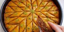طرز تهیه باقلوای یزدی خوشمزه به صورت مرحله به مرحله