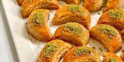 طرز تهیه شیرینی تاتلیسی گردو خوشمزه و مخصوص ترکیه ای