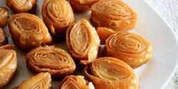 طرز تهیه شیرینی کاجا خوشمزه و مخصوص به روش هندی