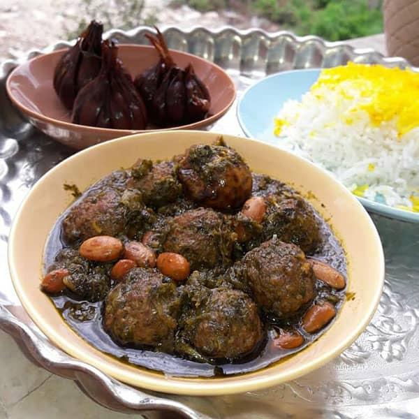 قورمه سبزی با گوشت قلقلی , طرز تهیه قورمه سبزی با گوشت قلقلی , دستور پخت قورمه سبزی با گوشت قلقلی